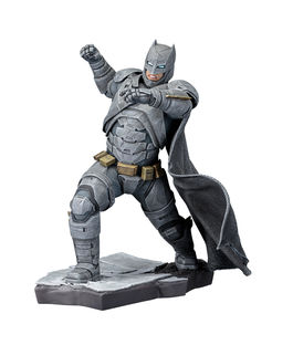 Batman vs Superman: Dawn Of Justice: Batman PVC Statue