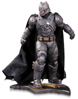 Batman vs Superman: Armored Batman Statue