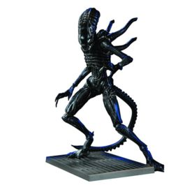 Aliens: Xenomorph Soldier 1:18 scale AF