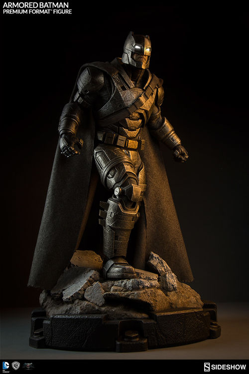 Batman vs Superman Dawn of Justice: Armored Batman Premium Statue