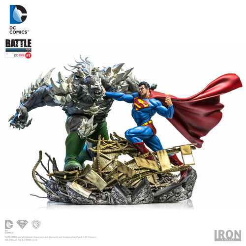 DC Comics: Superman vs Doomsday by Ivan Reis 1:6 Scale Diorama