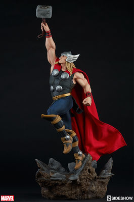 Avengers Assemble: Thor Statue